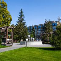Hotel & SPA Izumrud, отель в Балакове