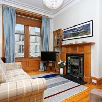 Traditional Scottish Flat with Fireplace
