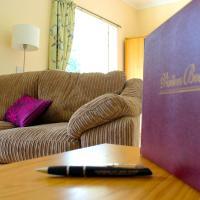Auchendennan Luxury Self Catering Cottages, hotel in Balloch