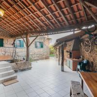 Casa Outeiro de Cima - Casa Rústica típica Serrana - Seia - SERRA DA ESTRELA, hotel in Seia