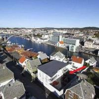 Moderne leilighet i gåavstand til Haugesund sentrum, Flotmyr busstasjon, Aibel, Høgskolen på Vestlandet, sjukehuset, stadion m.m., hotel in Haugesund