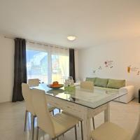 Apartment Zlatna, hotel in Zambratija