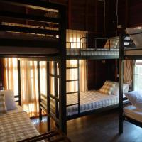 Little Good Things Female Only Hostel, hotel near Mae Hong Son Airport - HGN, Mae Hong Son