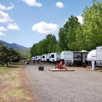 Grand Canyon RV Glamping, Hotel in Williams