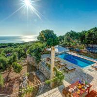 Perachori Villa Sleeps 6 Pool Air Con WiFi