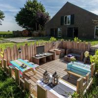 Tastefully decorated, country property with sauna and hot tub