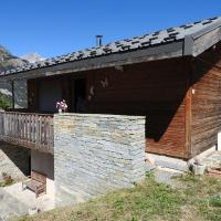 Cosy Chalet in La Norma for Families