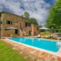 Villa in le Marche with private swimming pool, hôtel à Amandola