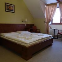 Husacina&Penzión Karolína, hotel in Slovenský Grob