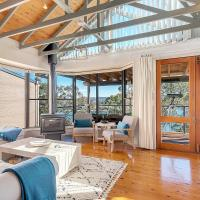 STUNNING WATERFRONT ESCAPE AT DALEYS POINT, hôtel à Booker Bay