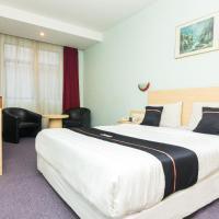 OYO 2065 Holly Sentosa Hotel, hotel in Jodoh
