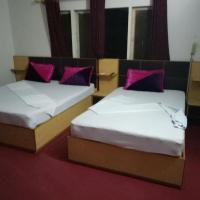 Rehaish Inn Model Colony, hotel near Jinnah International Airport - KHI, Karachi