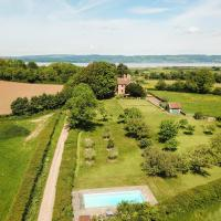 Oldbury-on-Severn Villa Sleeps 10 Pool WiFi