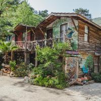 Kadir's Top Tree Houses, отель в Олимпосе