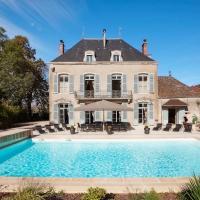 Lans Chateau Sleeps 14 Pool Air Con WiFi