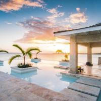 El Caleton Villa Sleeps 8 with Pool Air Con and WiFi