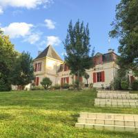Port-Sainte-Foy-et-Ponchapt Chateau Sleeps 29 with Pool and WiFi