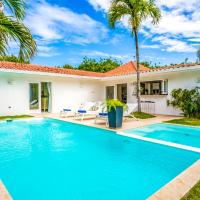 Cajuiles Villa Sleeps 6 with Pool Air Con and WiFi