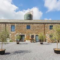 Woodland Villa Sleeps 20 Pool WiFi, hotel in Woodland