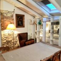S. Trinità 18, Suites & Rooms