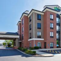 Holiday Inn Express Hotel & Suites Cleveland-Richfield, hotel in Brecksville