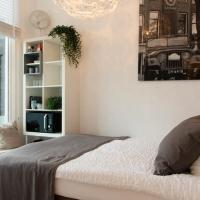 Apartment in 'De Pijp' district in Amsterdam