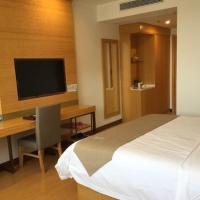 GreenTree Inn Hefei Changfeng County Gangji Town Jingang Avenue Express Hotel, hotel near Hefei Xinqiao International Airport - HFE, Hefei