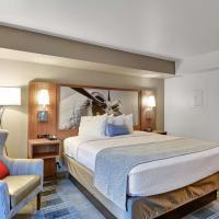 Best Western PLUS Navigator Inn & Suites, hotel near Snohomish County Airport - PAE, Everett