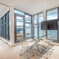 Penthouse 2BD Apartment with Roof Terrace