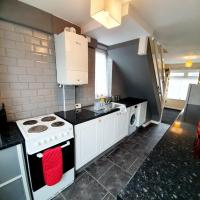 4 Bedroom Rayleigh Town House, hotel in Rayleigh