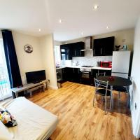 Rayleigh Centre Apartment