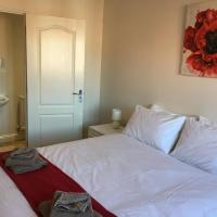 New and Comfortable with Parking, hotel in Andover
