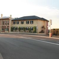 Coach House Launceston, hotel em Launceston