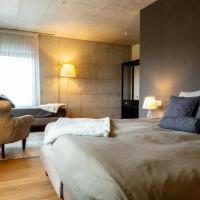 Hotel de l'Ours Preles, hotel in Prêles