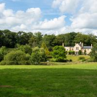 Rackenford Chateau Sleeps 18 WiFi T772832