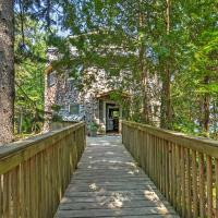 'Dragonwood Castle' on Waterfront with Stunning View