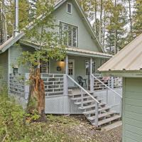 Cute 3BR Cloudcroft Cabin with Stunning Views!