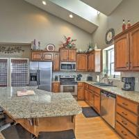 'Woodland Haven' Branson Area House with Rec Room!