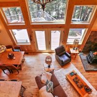 Rustic Retreat with Deck Steps From Lake Almanor!, hotel in Lake Almanor