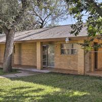 Laredo Guest Home with Yard-4 Mi to Lake Casa Blanca