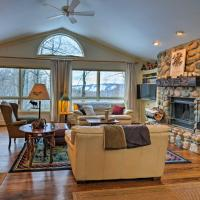 Harbor Springs Family Home with Access to Clubhouse, hotel in Harbor Springs