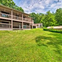 Cozy Lakefront Lapeer House with 2 Paddle Boats!, hotel in Lapeer