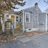Dunrovin Family Retreat Buzzards Bay Home with View, hotel in Buzzards Bay