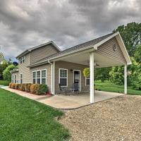 NEW! Cozy Meriden Home -2 Minutes to Perry Lake!, hotel in Ozawkie
