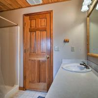 Leavenworth Cabin with Hot Tub - Near Stevens Pass!