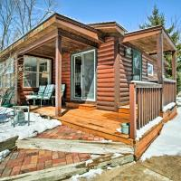 Fort Atkinson Cottage with Deck at Lake Koshkonong!, hotel in Fort Atkinson