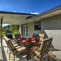 NEW! Kirby Home w/Patio Just North of Lake Greeson, hotel in Kirby