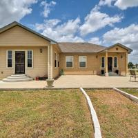 Home with 3 Acres - 4 Mi to Circuit of the Americas!