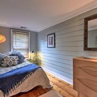 Charming Dwtn Retreat with Porch - Walk to New Hope!, hotel in Lambertville