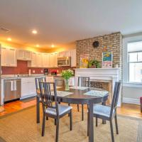 Remodeled Greenport Apartment By Greenport Harbor, hotel in Greenport
